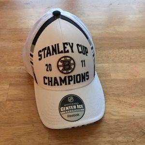 Boston bruins Stanley cup cap
